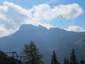 This seemed a popular spot for para-gliders and we had fun watching them jump off the mountainside.