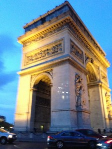 Next stop was the Arc di Triumph, all lit up.